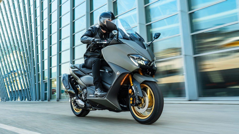 Yamaha-TMAX-560-2021-Tech-Camo-Dumke-Luett-Hamburg-Vertragshaendler
