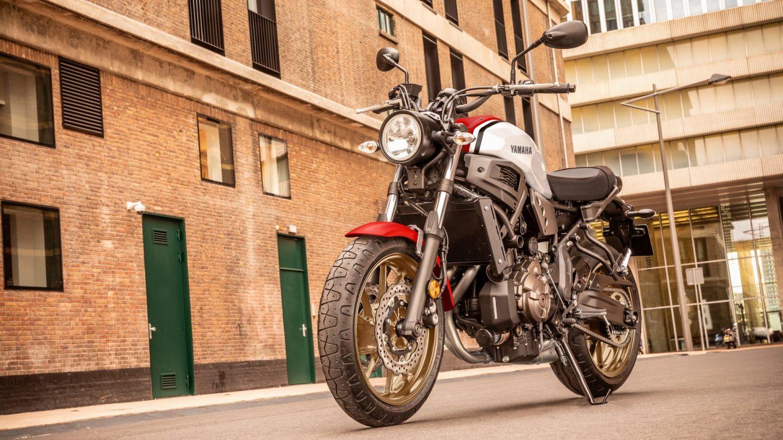 Yamaha-XSR-700-X-Tribute-2021-Dumke-Luett-Hamburg-Vertragshaendler