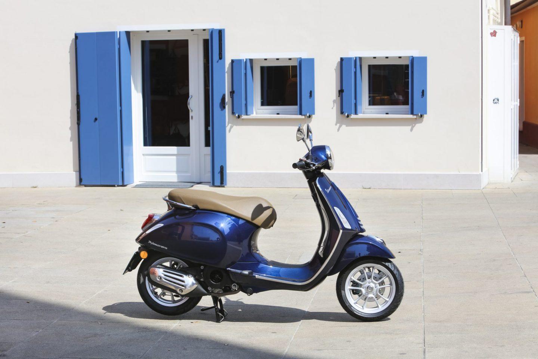 vespa-primavera-125-blau-dumke-luett-hamburg-vertragshaendler