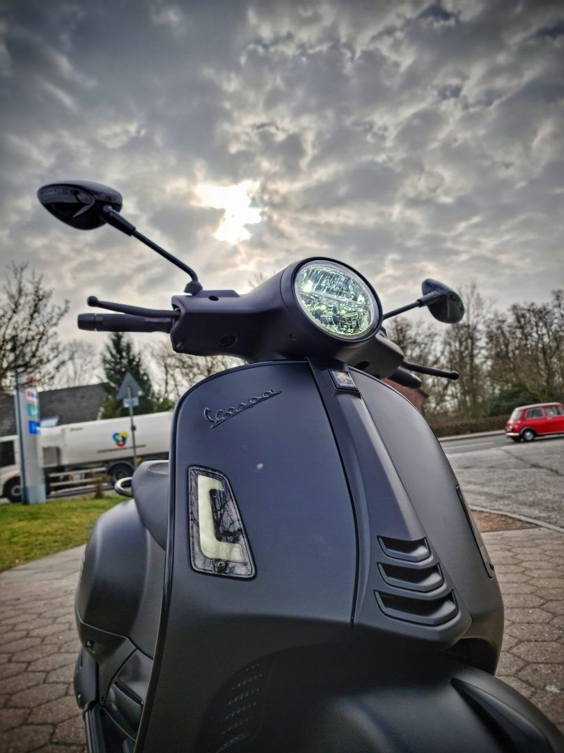 Vespa-Hamburg-Dumke-Luett-Vertragshaendler-GTS-125-SuperTech-Black-Edition